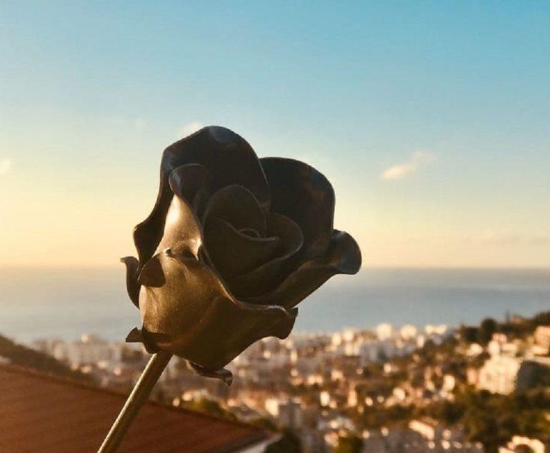 Une belle rose en métal, faite par Yoann Metal, ferronnier Nice !