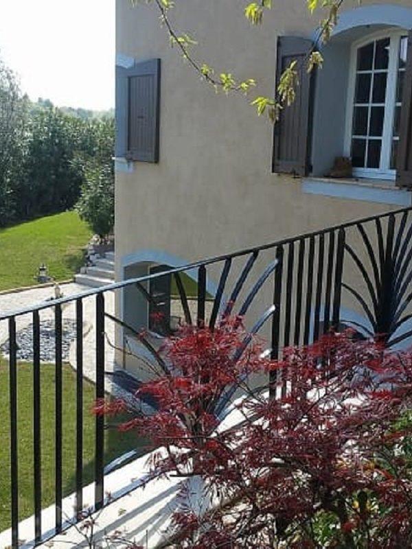 Sécurisez toutes vos terrasses avec des rambardes réalisées par un ferronnier Nice, Yoann Metal !