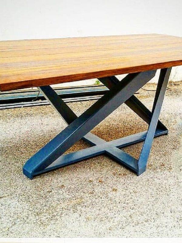Réalisez des tables originales par un ferronnier Nice !